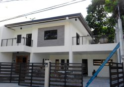 Newly renovated house at BF Executive Pque