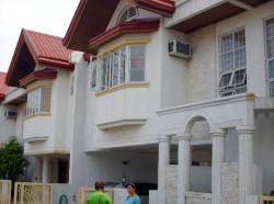 Big townhouse for sale in BF Homes Elysium