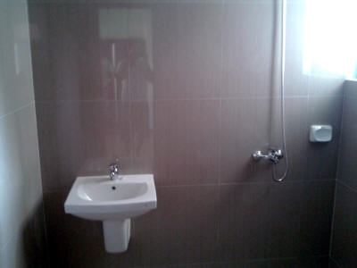 Lavatory and shower of BF Homes Zen house for sale